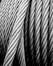 220px-Steel_wire_rope