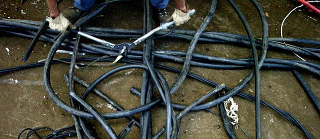 11387_une-cables-electriques